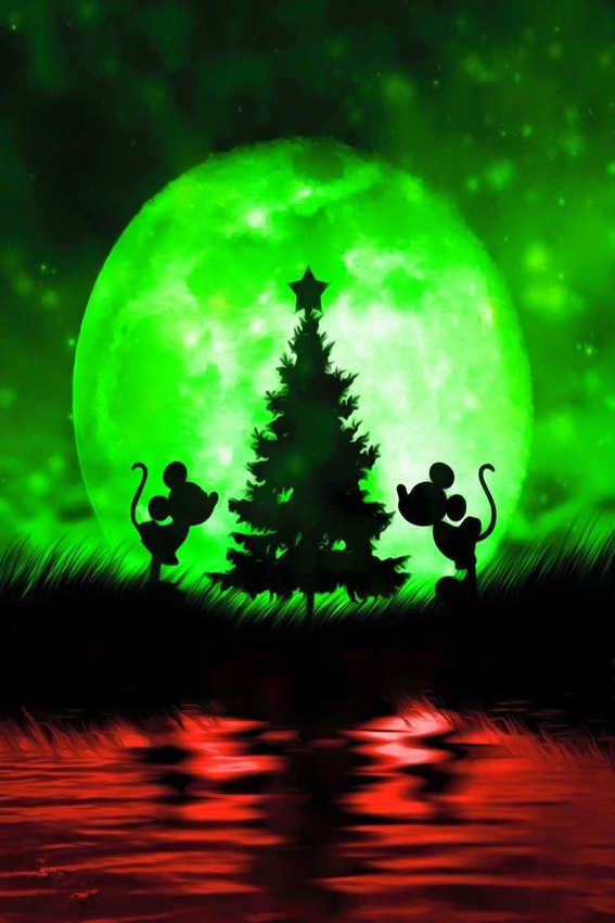 Variety Mickey Mouse And The Tree Green And Red