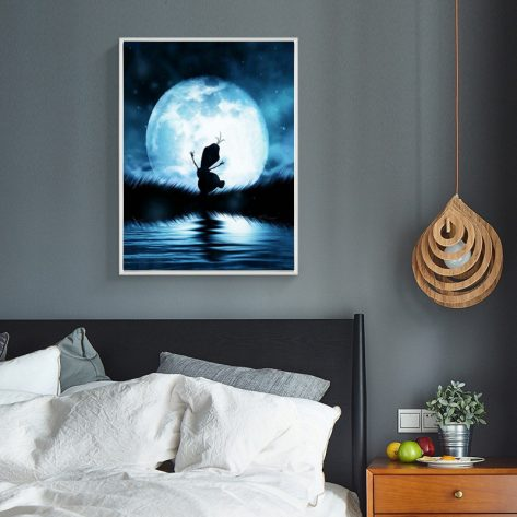 Variety Moonlight And Lake Water, Lovely Figure
